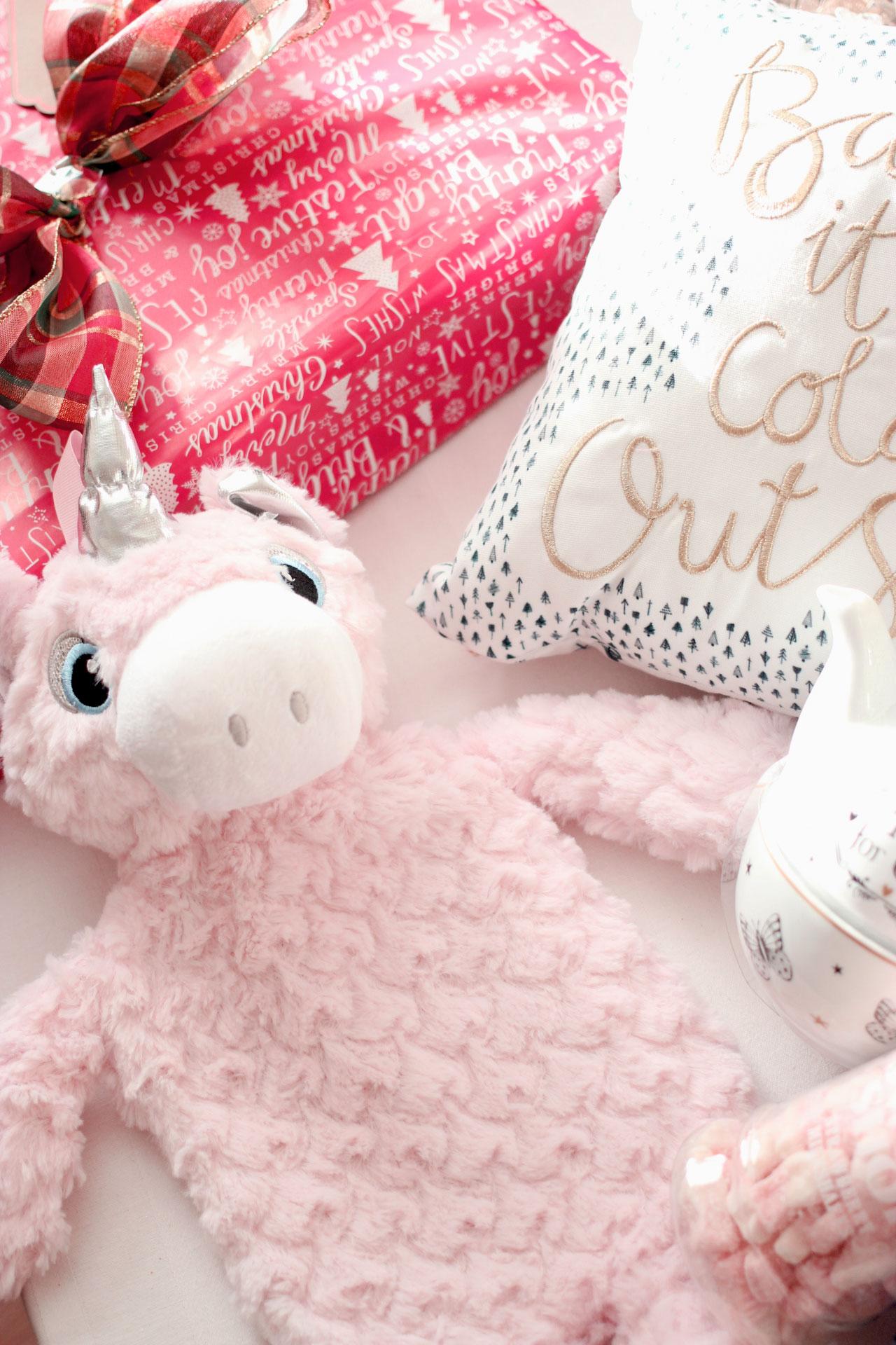Adult Christmas Eve Gift Box Ideas!